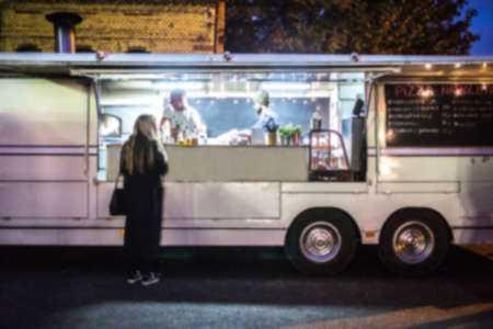 Achat d'un camion de nourriture d'occasion à vendre par le propriétaire 10 questions à poser