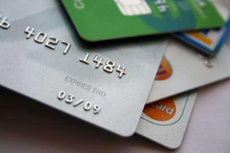 Comment créer rapidement du crédit avec une carte de crédit pour la première fois? Un guide complet