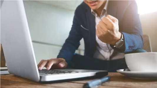 Création d'une entreprise de courtage en ligne