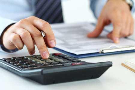Épargnez pour la retraite vs rembourser vos dettes vs acheter une maison qui est la meilleure